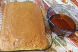 Cake and gelatin