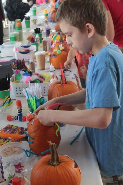 Pumpkin decorating 5